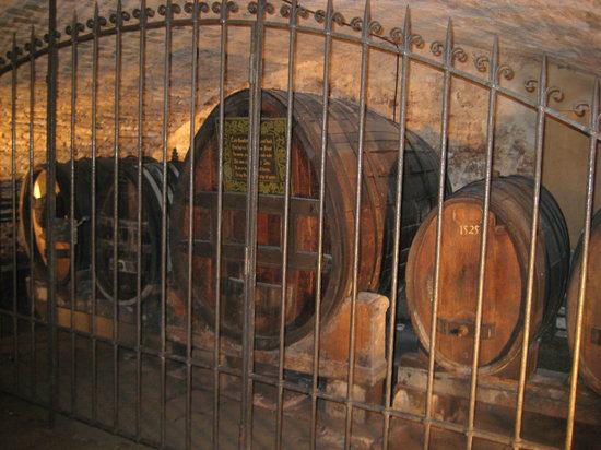 Cave historique des hospices civils de Strasbourg: Locked up wine from 1472!