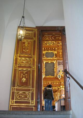 Augsburger Rathaus: Door to the gold room