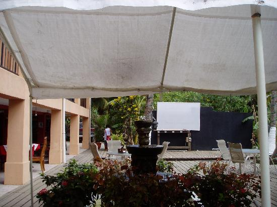 Copacabana Hotel & Suites: Entertainment Area