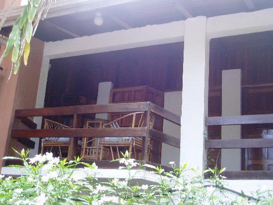 Copacabana Hotel & Suites: Balcony outside Room overlooking pool area