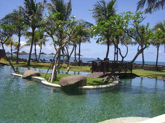 The Samaya Bali Seminyak : The main pool