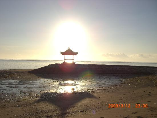 Grand Mirage Resort & Thalasso Spa - Bali: Temple on Beach