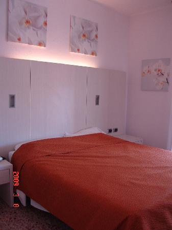hotel aida bedroom