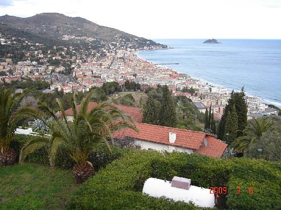 Hotel Aida : views form alassio hills
