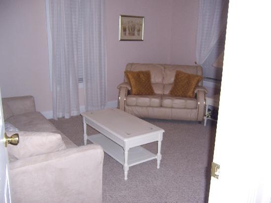 Lake Cumberland Resort: The sitting room