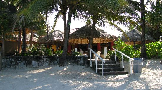 Mayan Princess Beach & Dive Resort: View from the beach to hotel/dining area