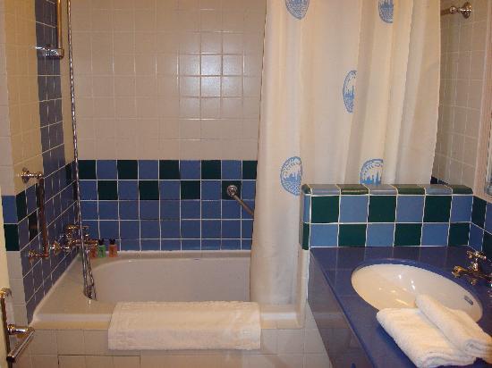 salle de bain - Picture of Disney\'s Hotel New York, Chessy - TripAdvisor
