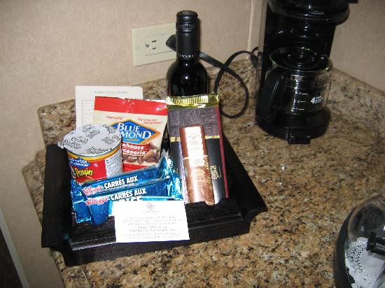 Magnolia Hotel And Spa: Items in room, for sale