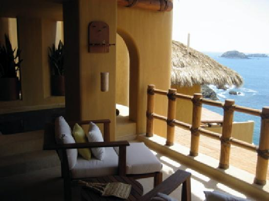 Capella Ixtapa: View from the terrace overlooking ocean