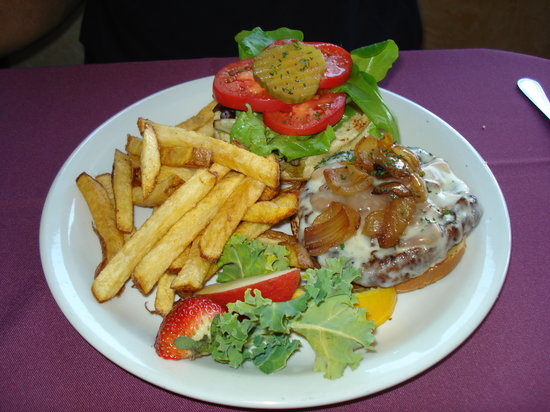 Crusco's Ristorante : burger
