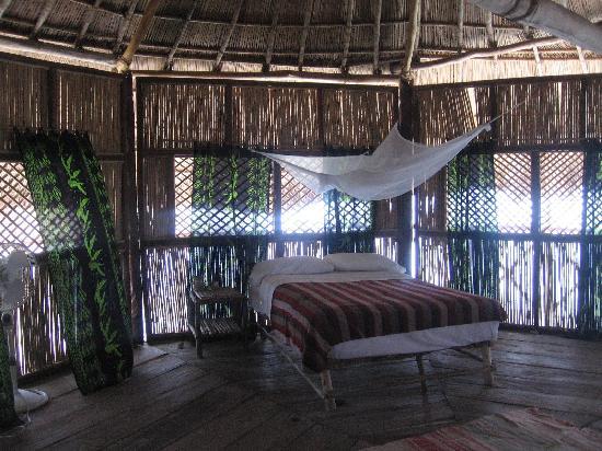 Yandup Island Lodge: cabana interior