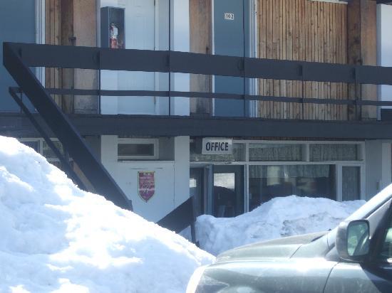 Auberge Mont-Habitant: Auberge Office