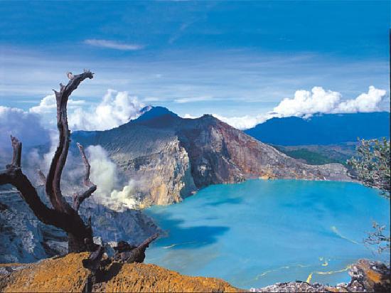 ijen crater in Banyuwangi