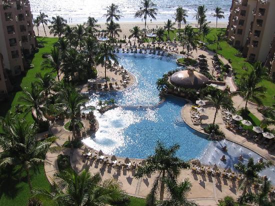 Villa La Estancia Beach Resort & Spa Riviera Nayarit: view of pool from 9th floor room # 2902a