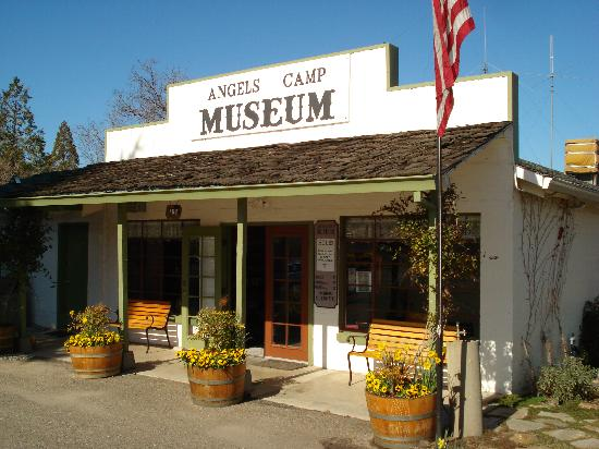 Angels Camp Museum and Carriage House: front