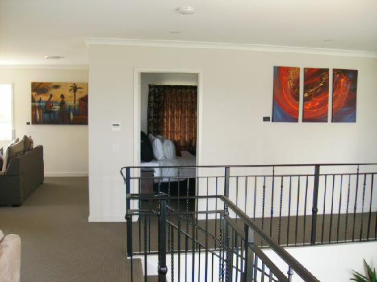 Falls Chateau: Upstairs in Duplex landing