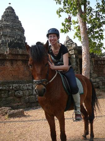 Siem Reap, Kambodzsa: In front of the ruin