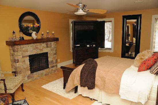 Inn Harmony: Our Bed Room
