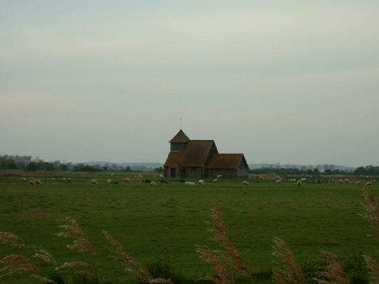 ‪‪Kent‬, UK: The middle of nowhere? Fairfield Church, Romney Marsh, Kent‬