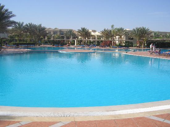 Piscine chauff e picture of jaz lamaya resort marsa for Piscine chauffee
