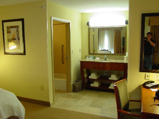 Hampton Inn Davenport: Room