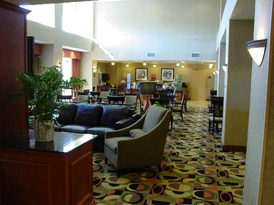 Hampton Inn Davenport: Breakfast Area
