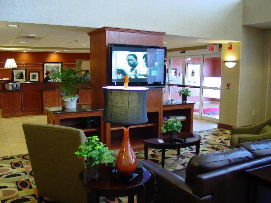 Hampton Inn Davenport: Lobby