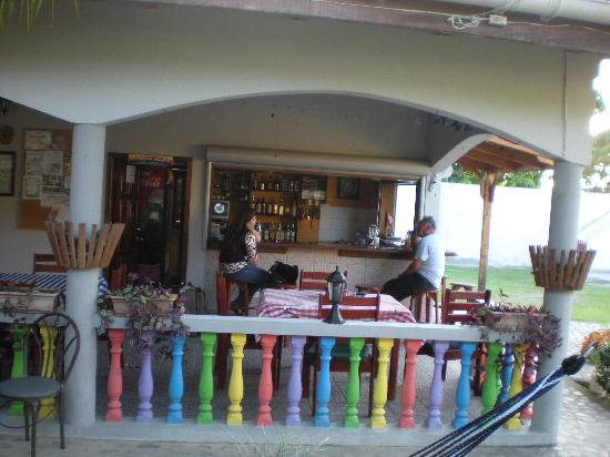 Hotel Rainbow Village: Restaurant / patio bar