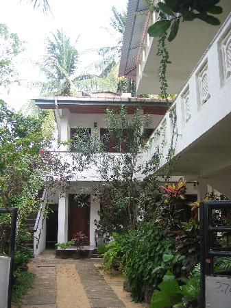 Unawatuna Beach Bungalow Hotel: view of the inn
