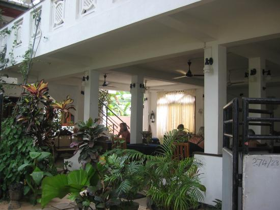 Unawatuna Beach Bungalow Hotel: restuant & lounge