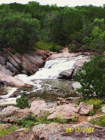 Burnet, TX: Falls at Inks lake