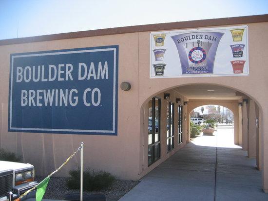 Boulder Dam Brewing Company: Cool paint job