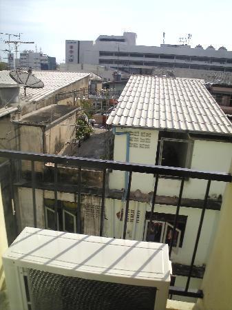 JL Bangkok: balcony