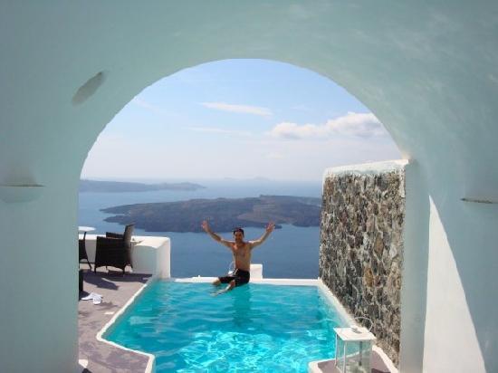 ดรีมส์ ลักชูรี สวีทส์: Our own pool!  (Largest suite.)