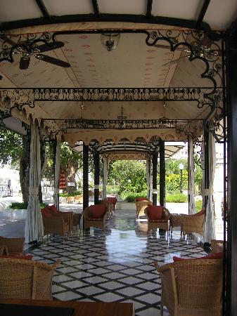 Taj Lake Palace Udaipur : Jetty reception by day