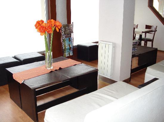 Hotel Bariloche Flat: salon comomedor con vista panoramica