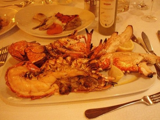 Botafumeiro: 1.5kg of lobster. Meet it before you eat it.
