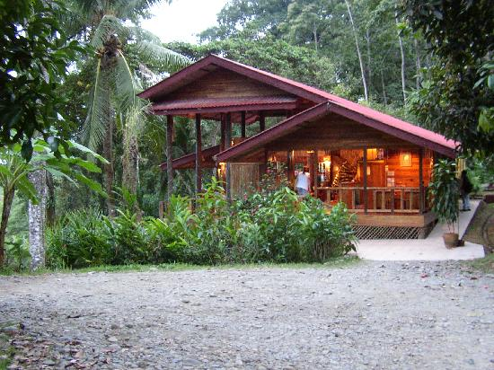 Samasati Yoga & Wellness Retreat: The Main Building at almost dusk