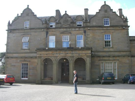 Baskerville Hall Hotel: Building from the outside