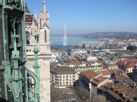 Ginebra, Suiza: lo spruzzo visto dalla cattedrale
