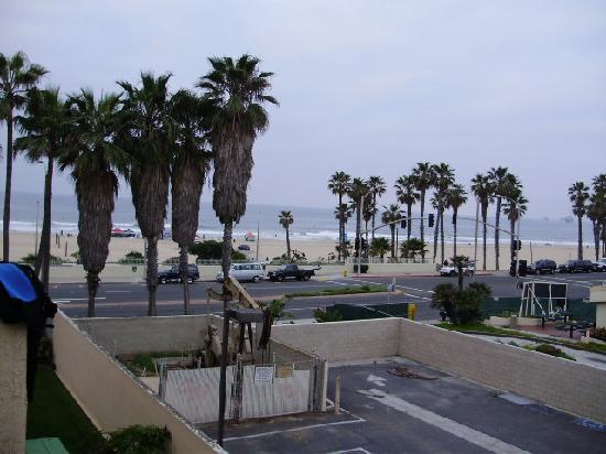 Huntington Beach Inn: View From Balcony Rm. 311