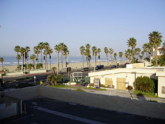 Huntington Beach Inn: View From Roof