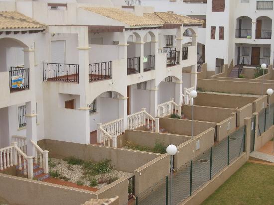 La Cinuelica: Empty Houses ( Your neighbours )