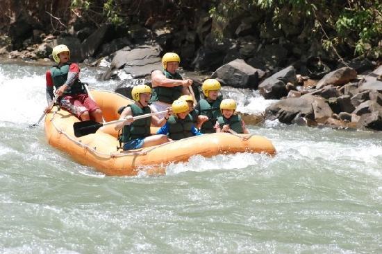 Shangri-La's Rasa Ria Resort & Spa: Kiulu river rafting