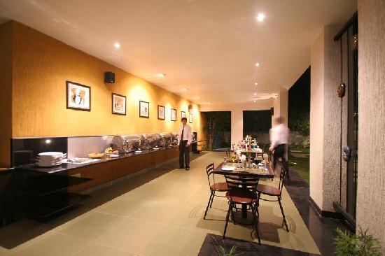 The Belair: Restaurant