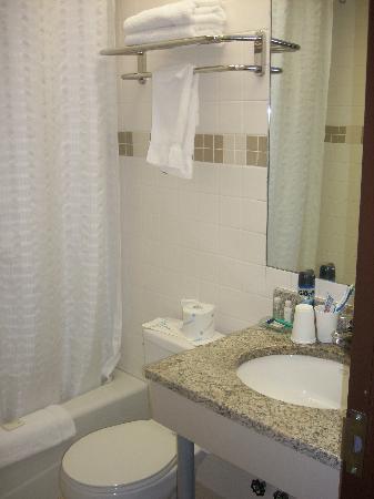 The Hotel 91 : bathroom very clean
