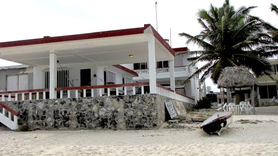 Sand Castle Inn: View from the beach