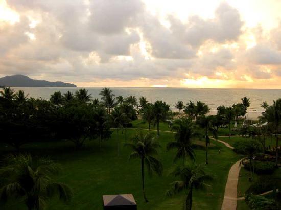 Shangri-La's Rasa Ria Resort & Spa: View over garden toward beach