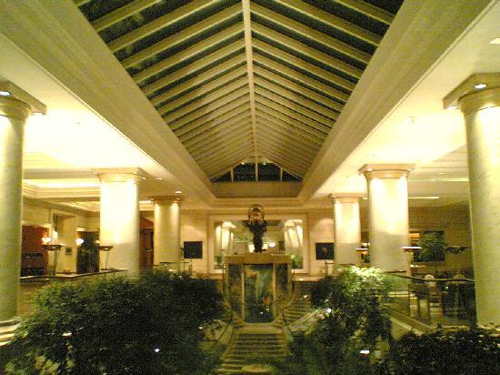 Hyatt Regency Belgrade: lobby
