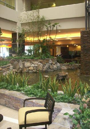 Glendale, CA: Atrium